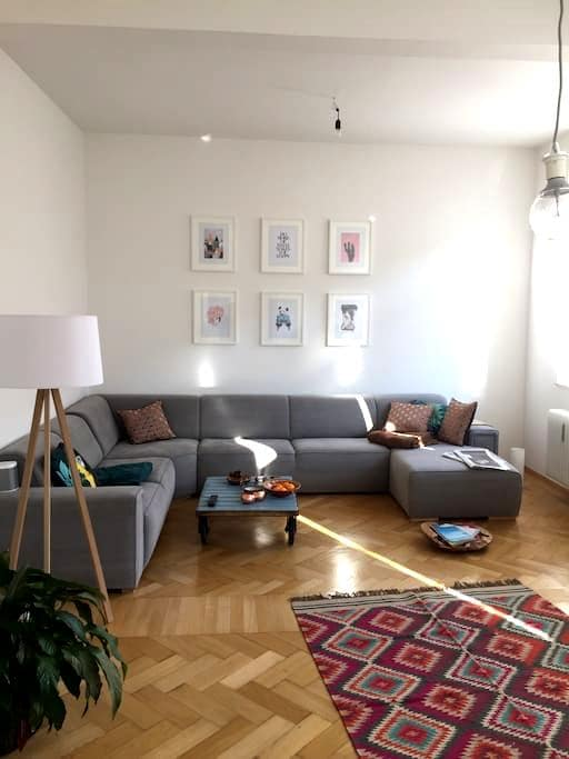 Schöne Altbauwohnung/perfekte Lage - München - Apartment