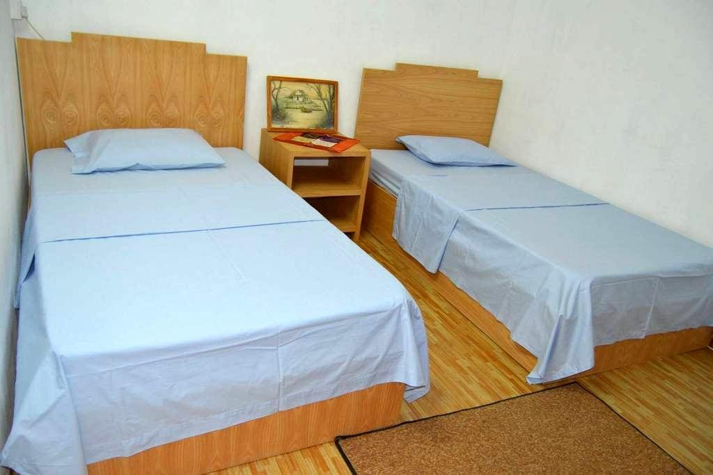2x Single Bed in Guest House - Souillac - Guesthouse
