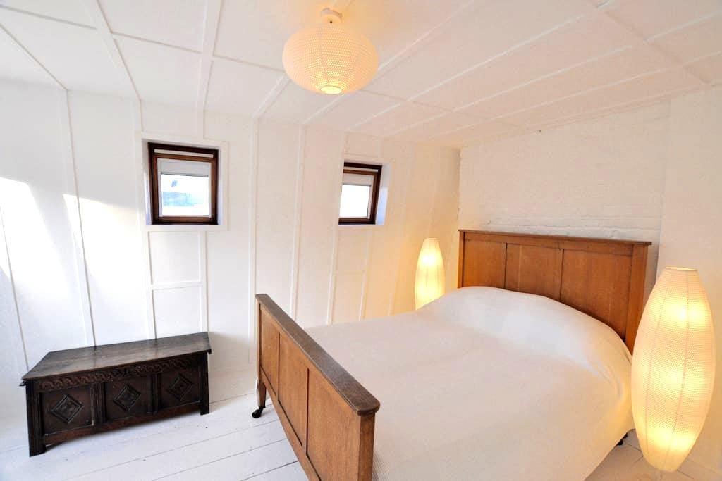 Private annexe sleeps 3/4 near to Brixton 02 - Londres - Loft