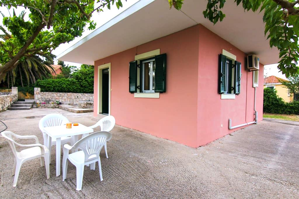 A LITLE HOUSE AND VERY BEAUTIFUL - Cephalonia