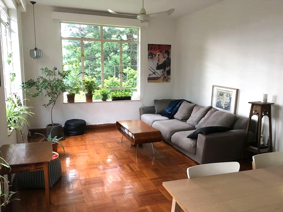 Quiet & spacious appt in Stanley with Rooftop - Hong Kong - Lejlighed