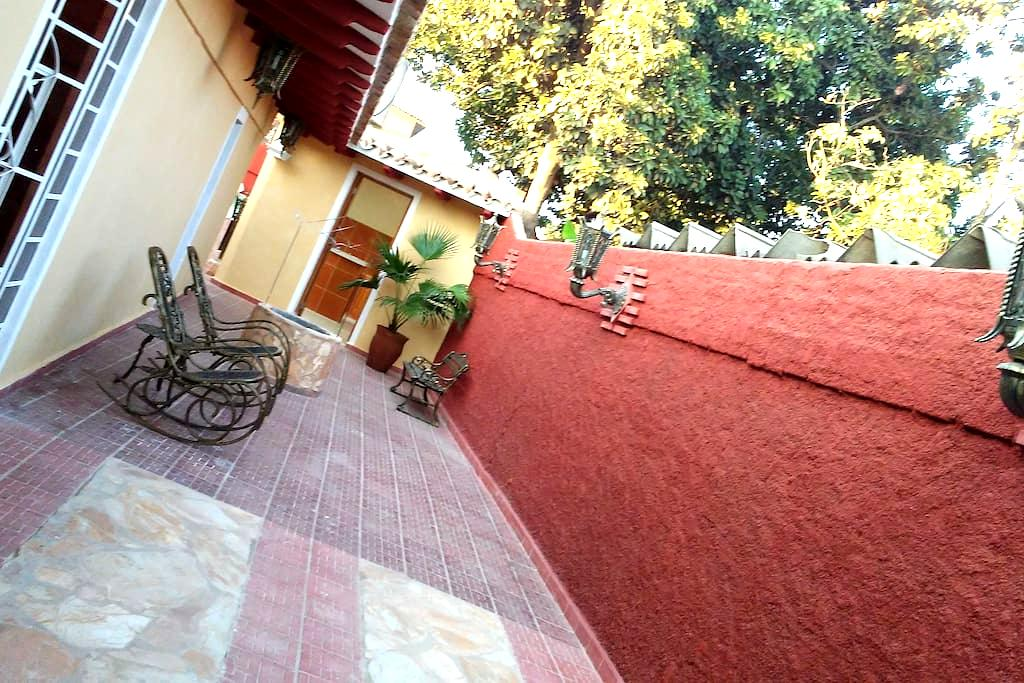 Hostal Turmalina - Trinidad - Apartment
