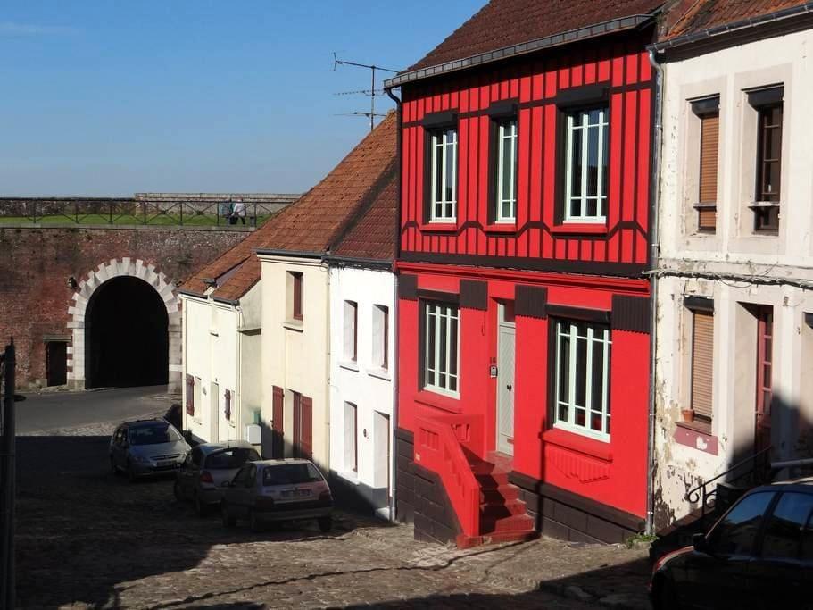 L'Art Du Temps Le Gîte - Montreuil - House