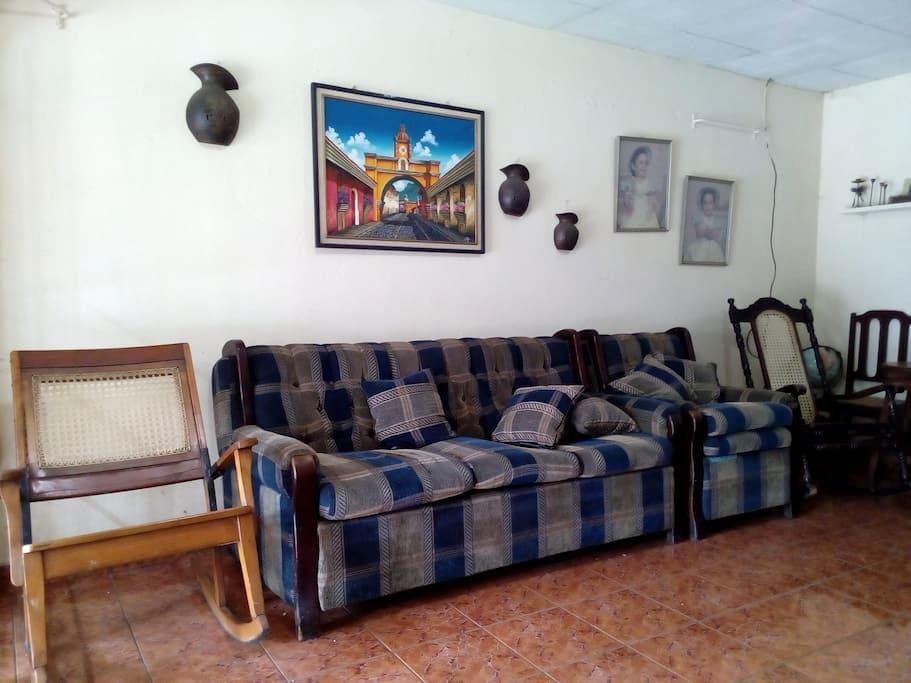 Hostal Central Masaya - Masaya - Bed & Breakfast