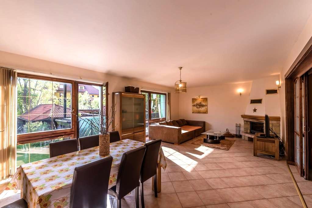 Lesná villa apartmán - Nová Lesná - Huis