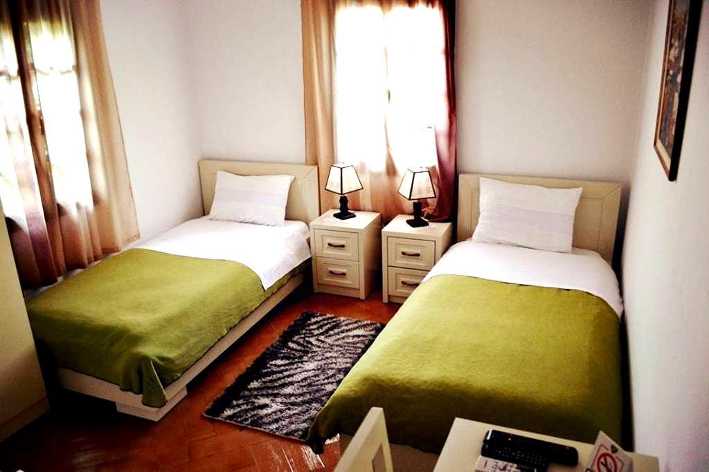 Hotel Belgrad Mangalem 2 - Berat - ที่พักพร้อมอาหารเช้า