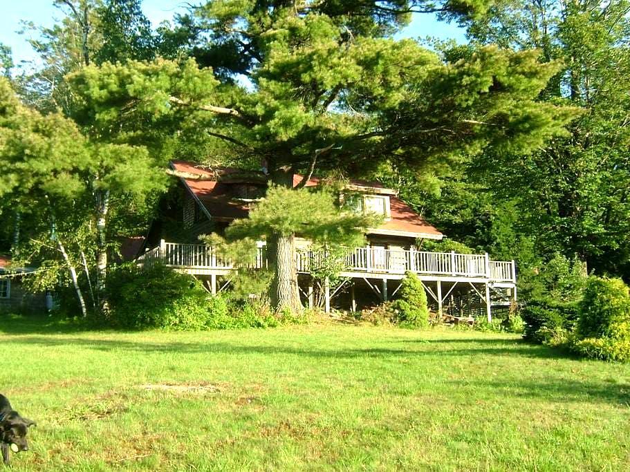 Log Cabin - Alstead