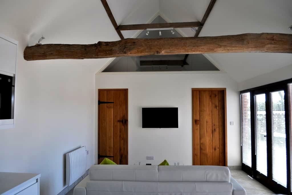 Contemporary Barn Annex with breakfast - Ripe - Annat