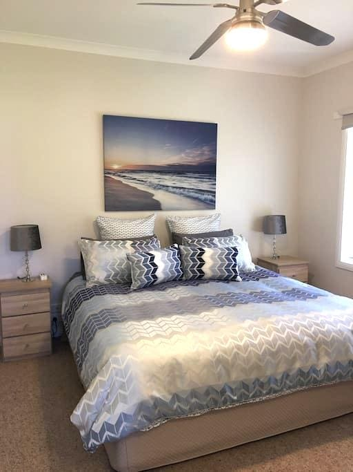 'We Love The Bool' Retreat - Fresh and Central - Warrnambool - Guesthouse