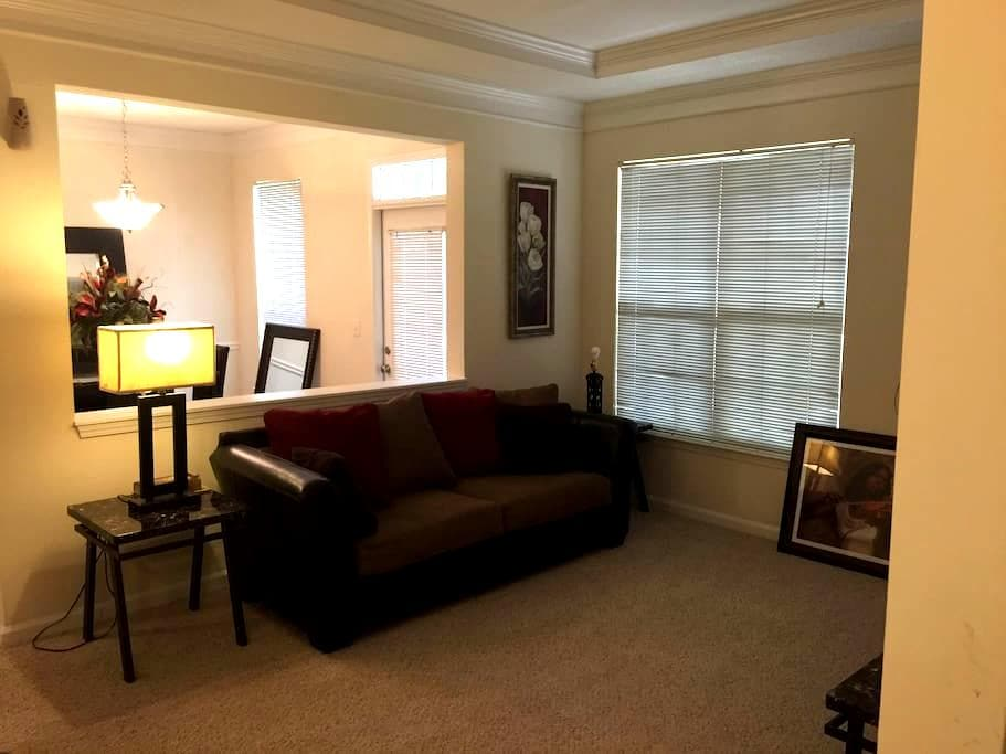 Exotic Home away from Home - Kennesaw - Apartamento