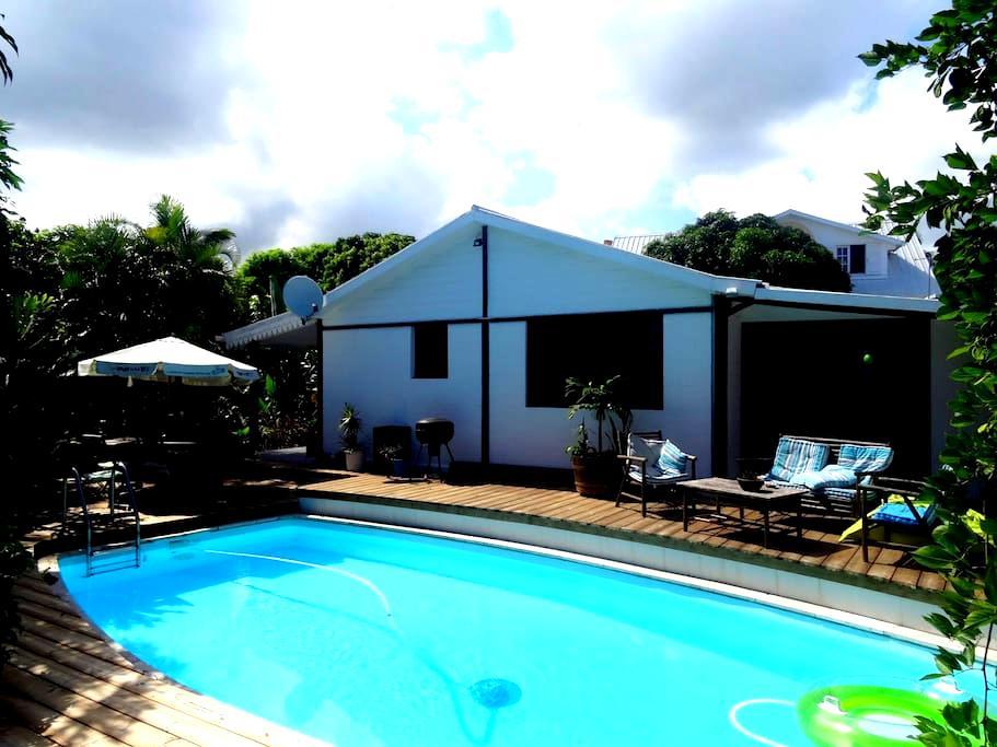 Esprit d'aventure bungalow - Plateau-Caillou - Huis