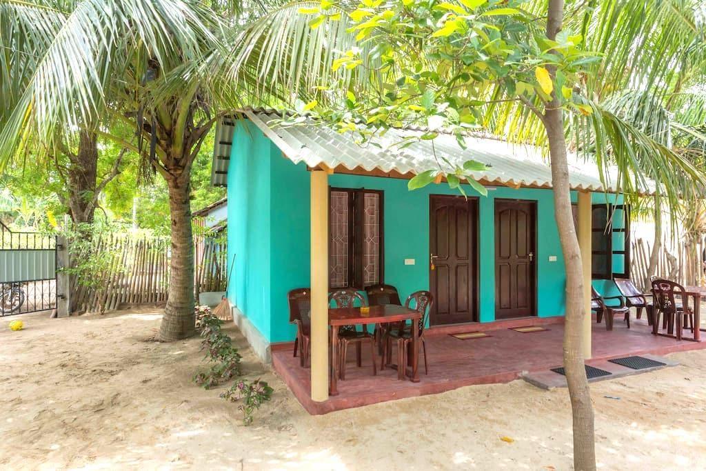 Theepan's Home (2) - Nilaveli - Hus