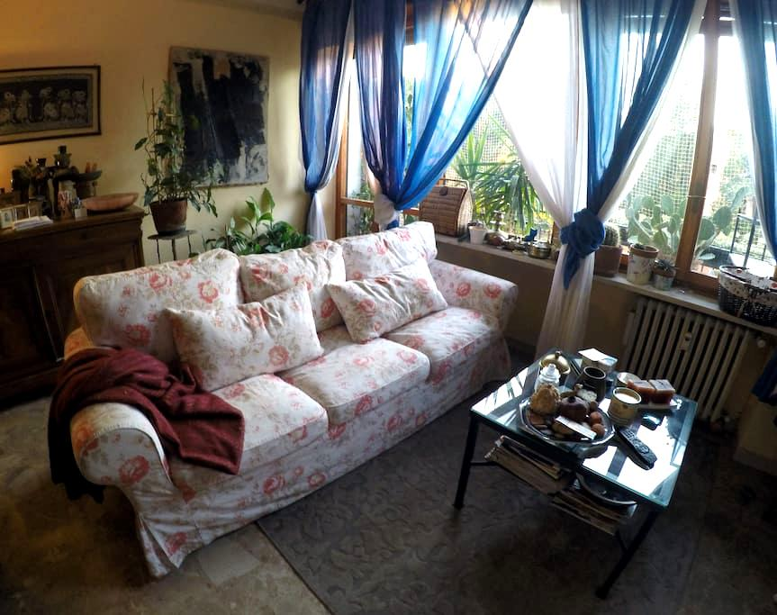 FIVE MINUTES FROM DOWNTOWN - Verona - Huoneisto