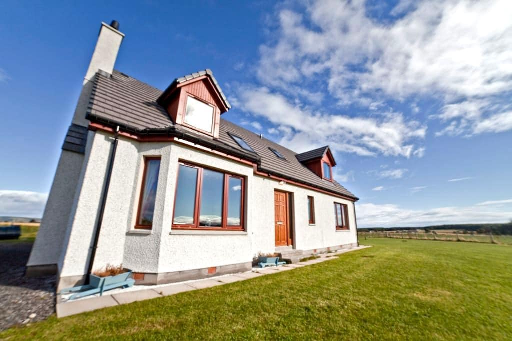 Highland Holiday House Inverness - Ardersier - Huis