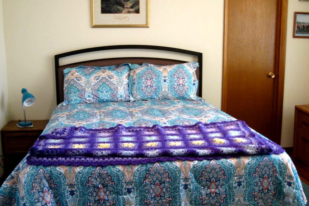 Sunny Silver City Bedroom - Silver City - Casa