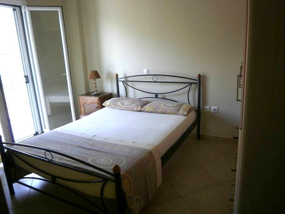 Διαμέρισμα στο Μαραθιά Φωκίδας-VICKY - Marathias