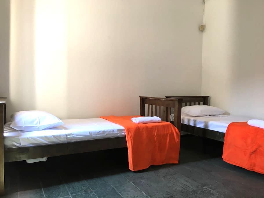 Hostel Central Brasil - Dormitório Duplo - Campinas - Bed & Breakfast