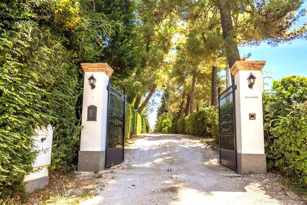Villa Blasi Osimo - Osimo