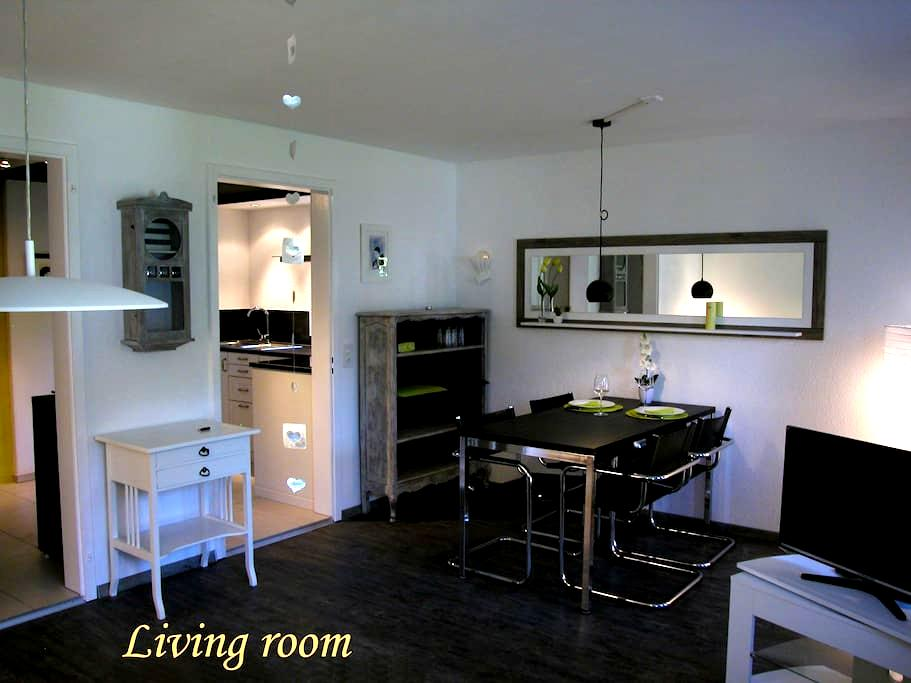 Joline, privat guest apartment just feel at home - Jens - Apartamento