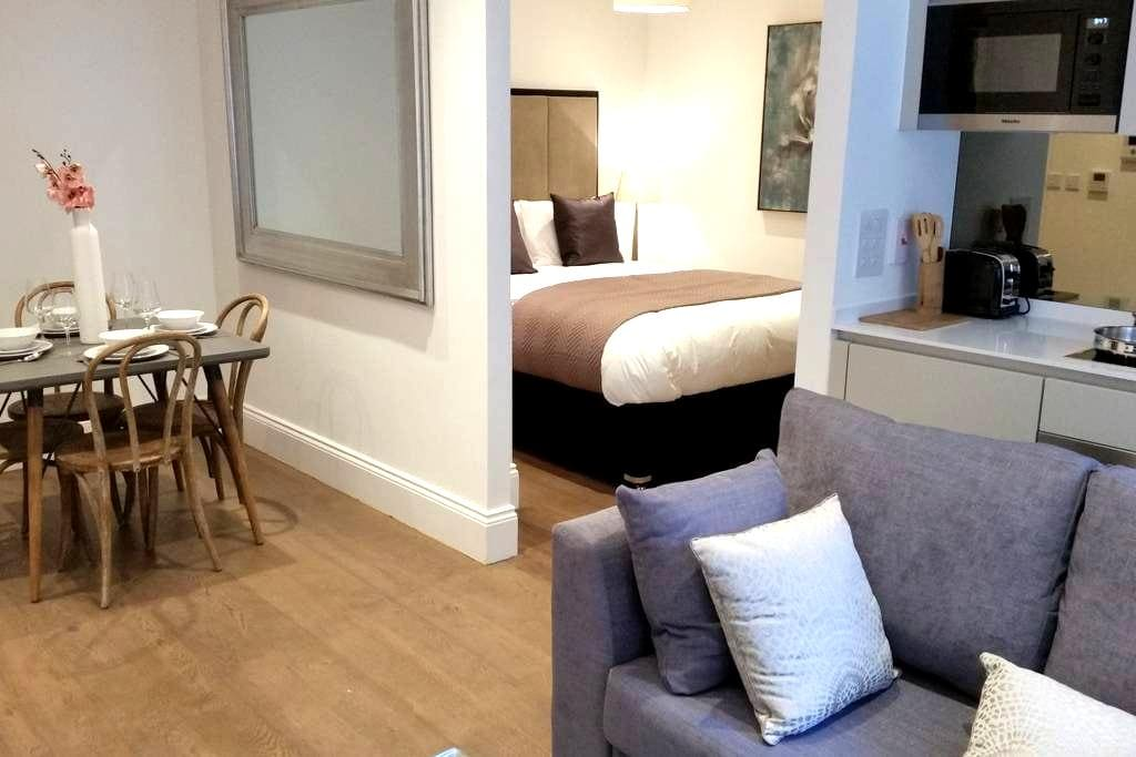 Location, Style and Covent Gargen!! - London - Apartemen