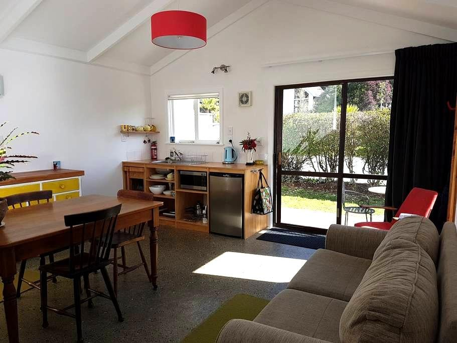 Spacious and convenient apartment - Nelson - Lägenhet