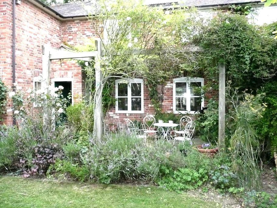 1 barn  cottage near salisbury - Dinton - Casa