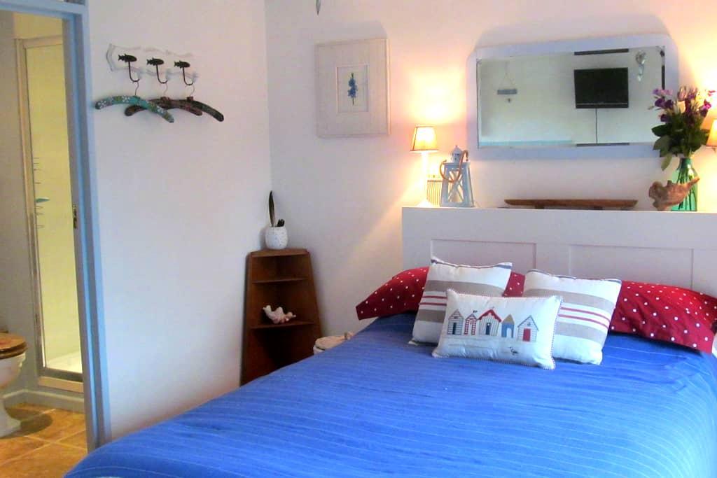 Studio Room - Rhoscolyn, Anglesey - Rhoscolyn