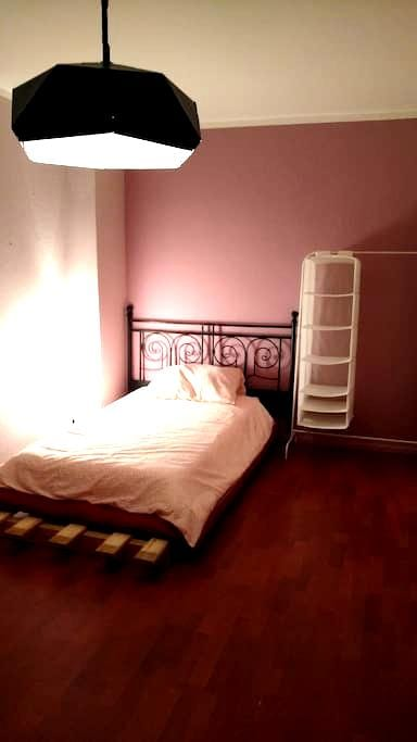 Bedroom with single bed and sofa bed if needed - Berlin - Wohnung
