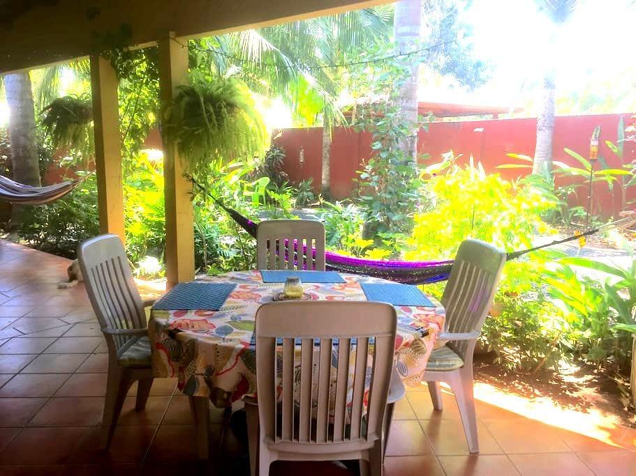 Garden Home in the Heart of Pedasí - Pedasi - House