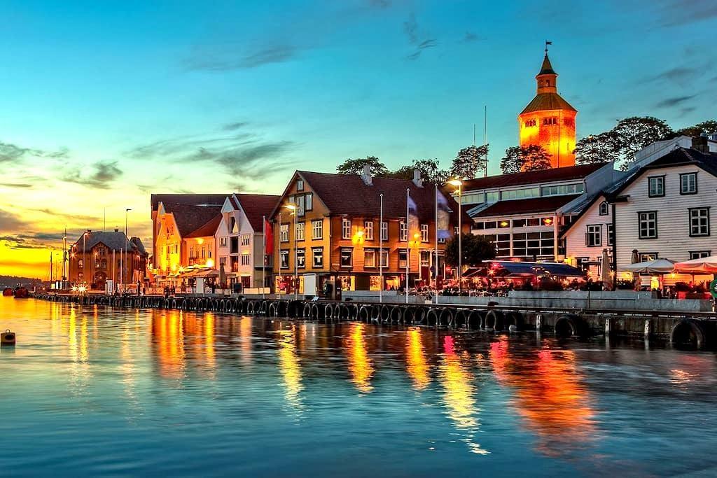 Sentru(SENSITIVE CONTENTS HIDDEN)ært rom - Stavanger - Huoneisto