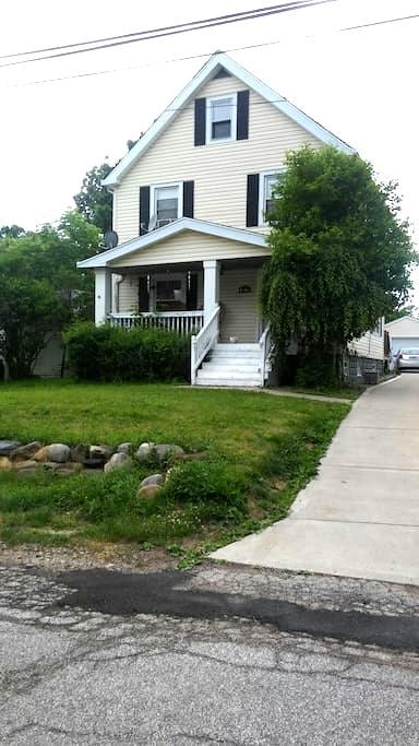 A Place to Stay - Welcome - Garfield Heights - Ev
