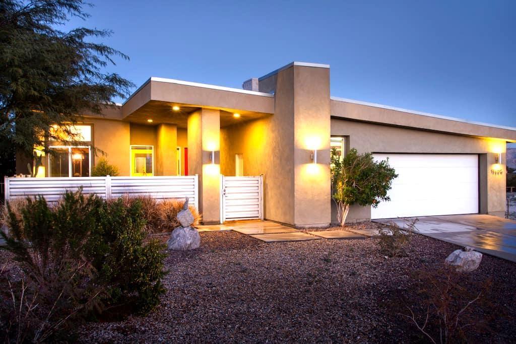 La Luz - Desert Modern Open Space - Desert Hot Springs - Casa