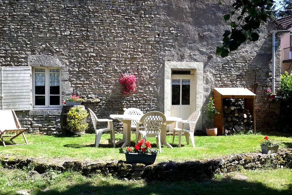 Gîte la Calèche - Charmante maison en pierre - Corsaint - Talo