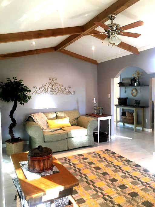 Farmers Cottage, cozy and clean! - Cleveland - Appartement
