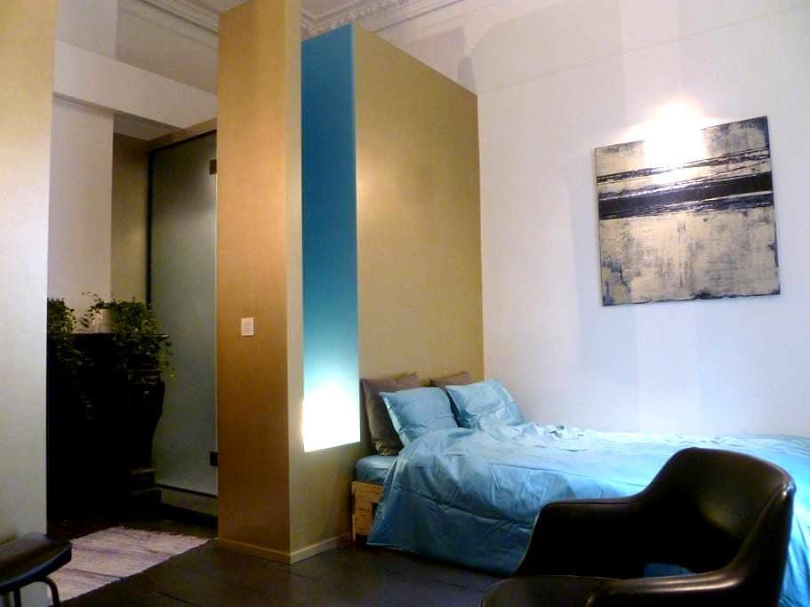Studio dans une maison d'artiste - Schaerbeek - Departamento