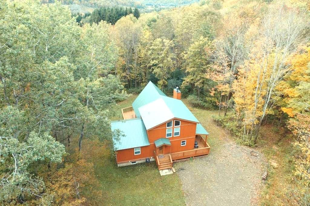 Beautiful modern chalet close to Ellicottville NY - Salamanca