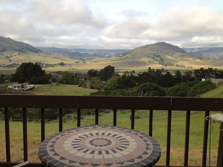 Spacious home with  amazing views! - San Luis Obispo - House