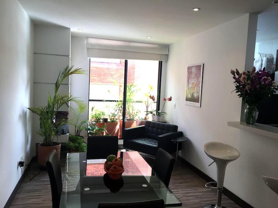 Atractivo apartamento al Norte - Bogotá - Condomínio