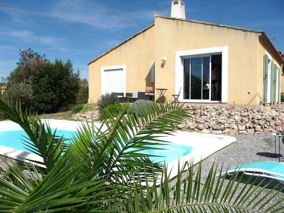 Belle villa  avec piscine - Aumes