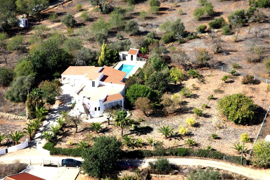 Casa Antonius 2-6 p. piscine, Wi-Fi - タビラ