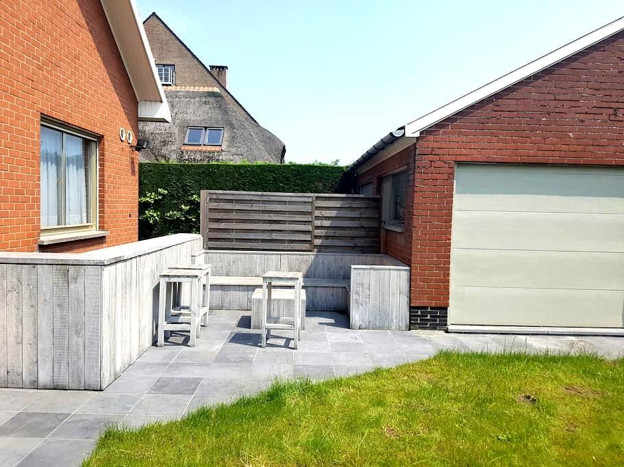 Comfortable room with private bathroom - Harelbeke
