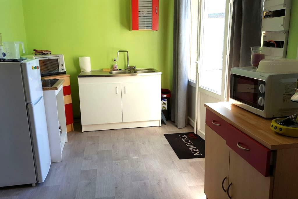 Dépendance entièrement rénovée - Monts - Huis