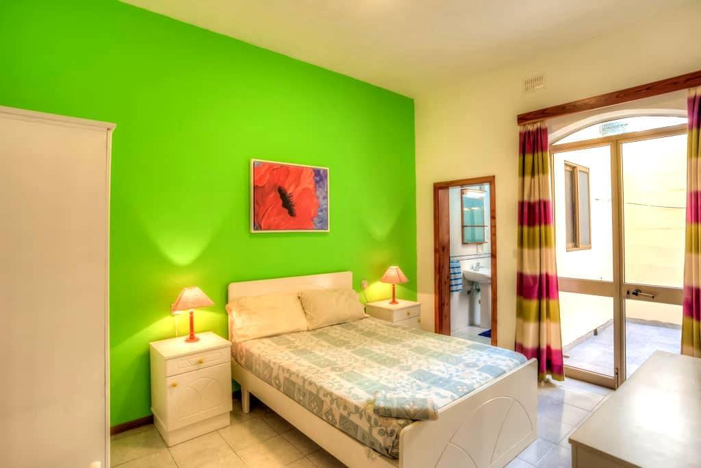 Sea Breeze Holiday Apartments - Munxar - Appartement