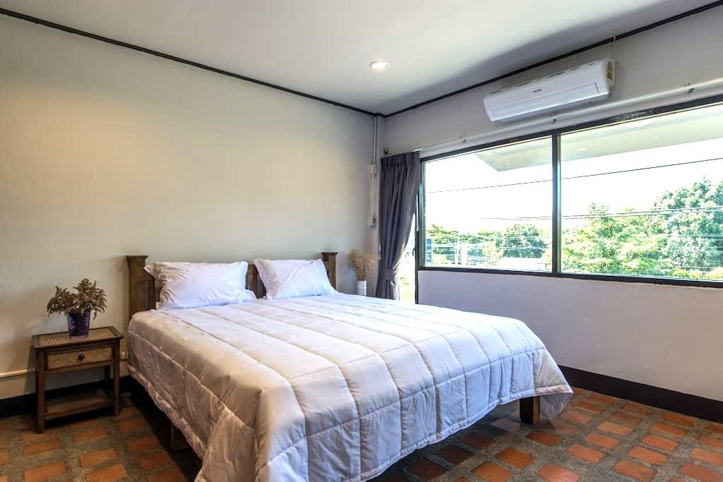 Single Room with One of The Best Mountain View - Mueang Chiang mai - Radhus