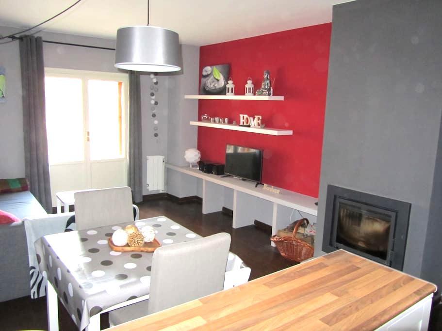 Cómodo apartamento en Villanúa - Villanúa - Appartement