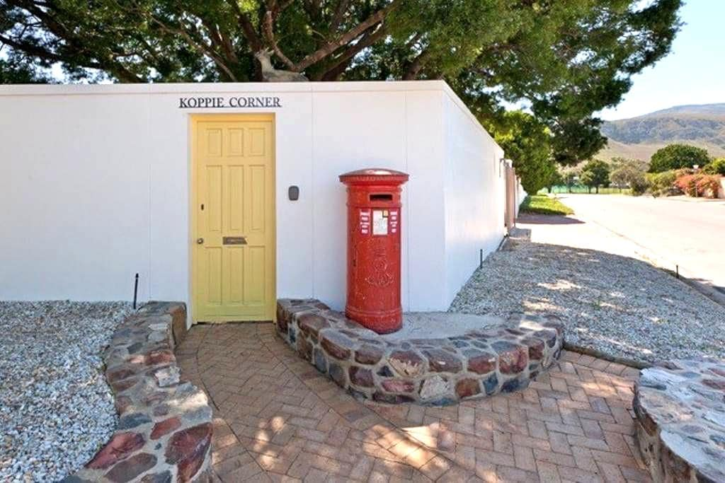 Cosy Garden cottage @ the Yellow door - Hermanus - Huoneisto