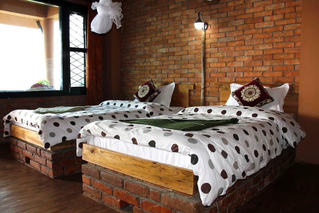 Beautiful Double Private Room on Fewa Lake - No. 1 - Pokhara