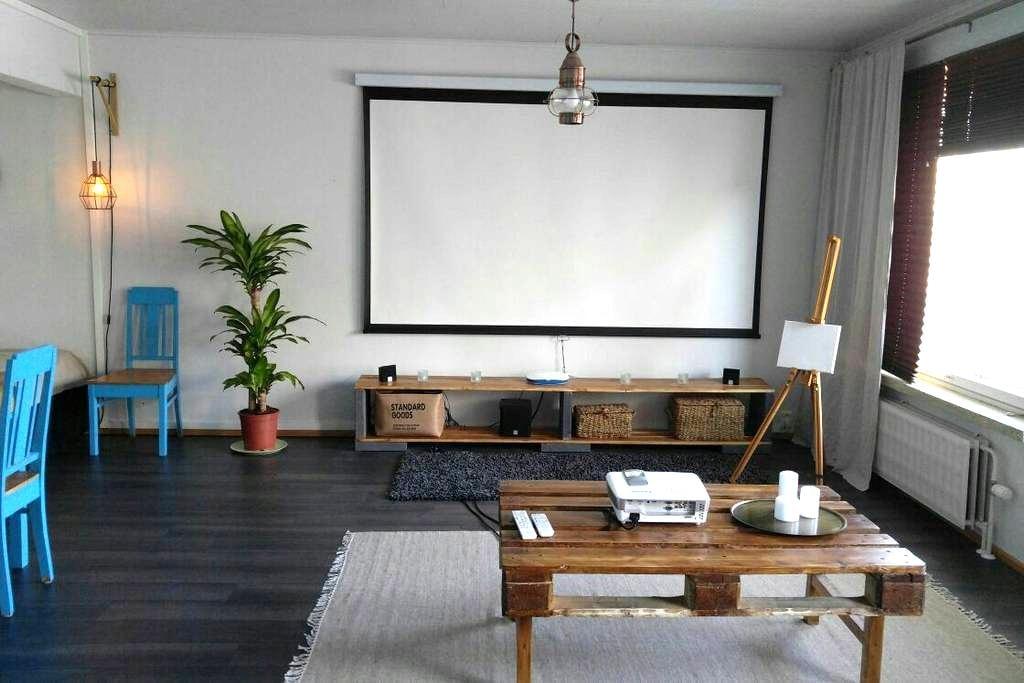 Peaceful studio apartment right at the city centre - Jyväskylä - Byt