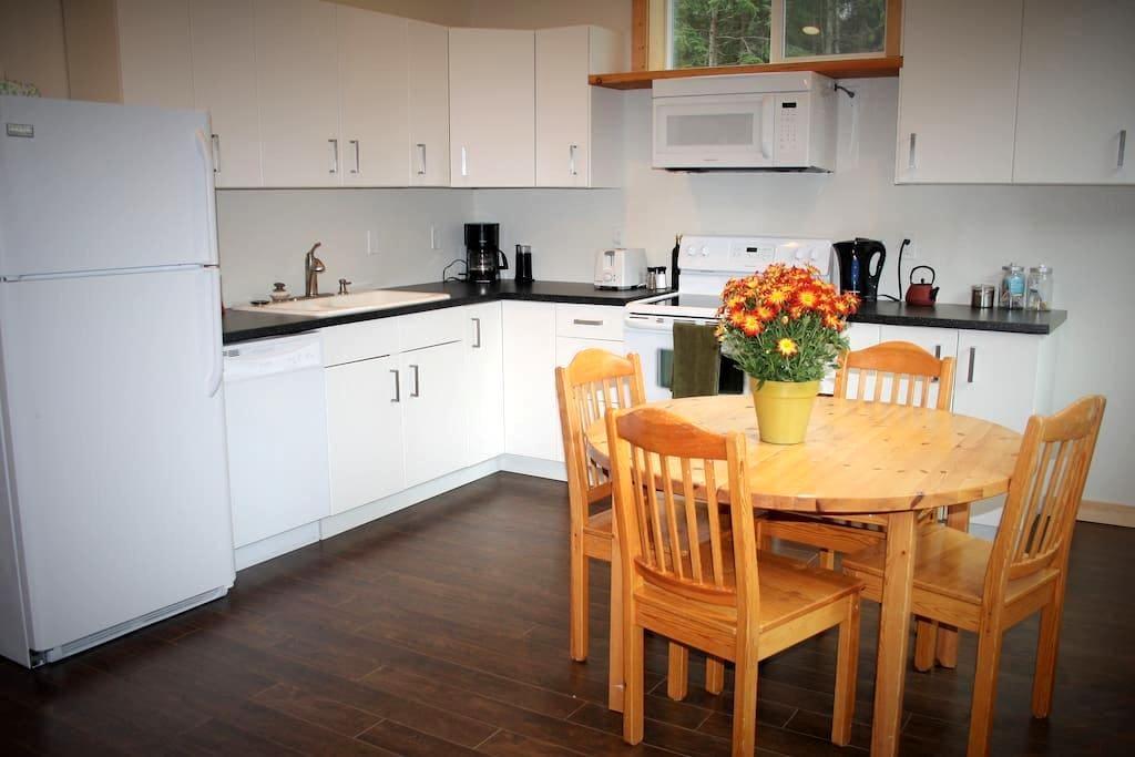 Salty and Suite - Jordan River - Appartement