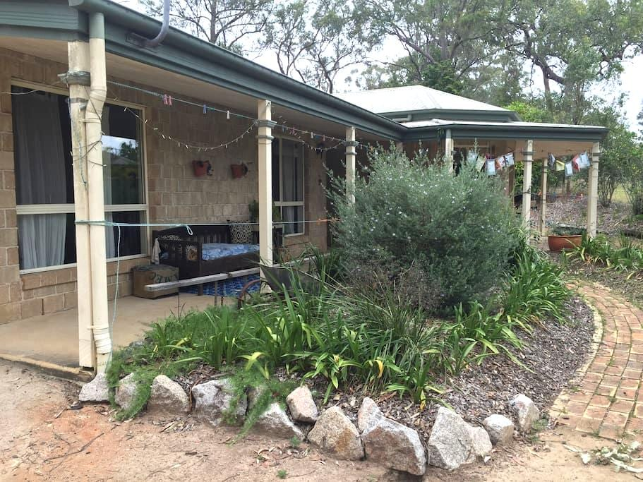 Eclectic country home in festival country - Woodford - Talo
